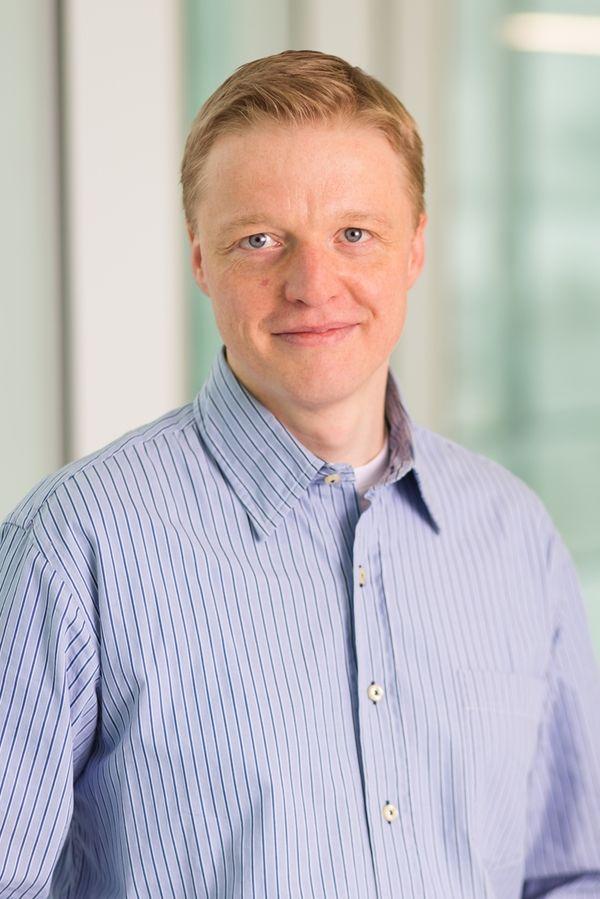 Dr. Holger Bierhoff