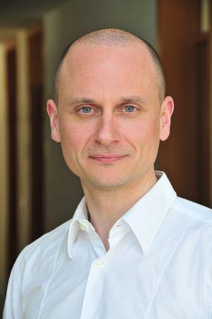Dr. Tobias Sperka