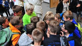 Many curious visitors at the frist MINT Festival (photo: FLI)