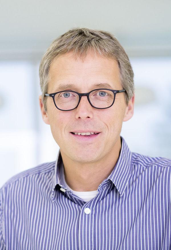 Dr. Wilfried Briest