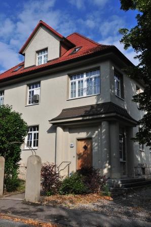 FLI, Haus 9, Villa